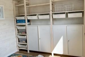 Salle de jeu et de rangement / Play and storage room